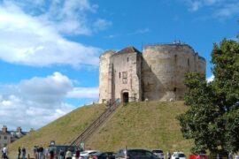 castle car park
